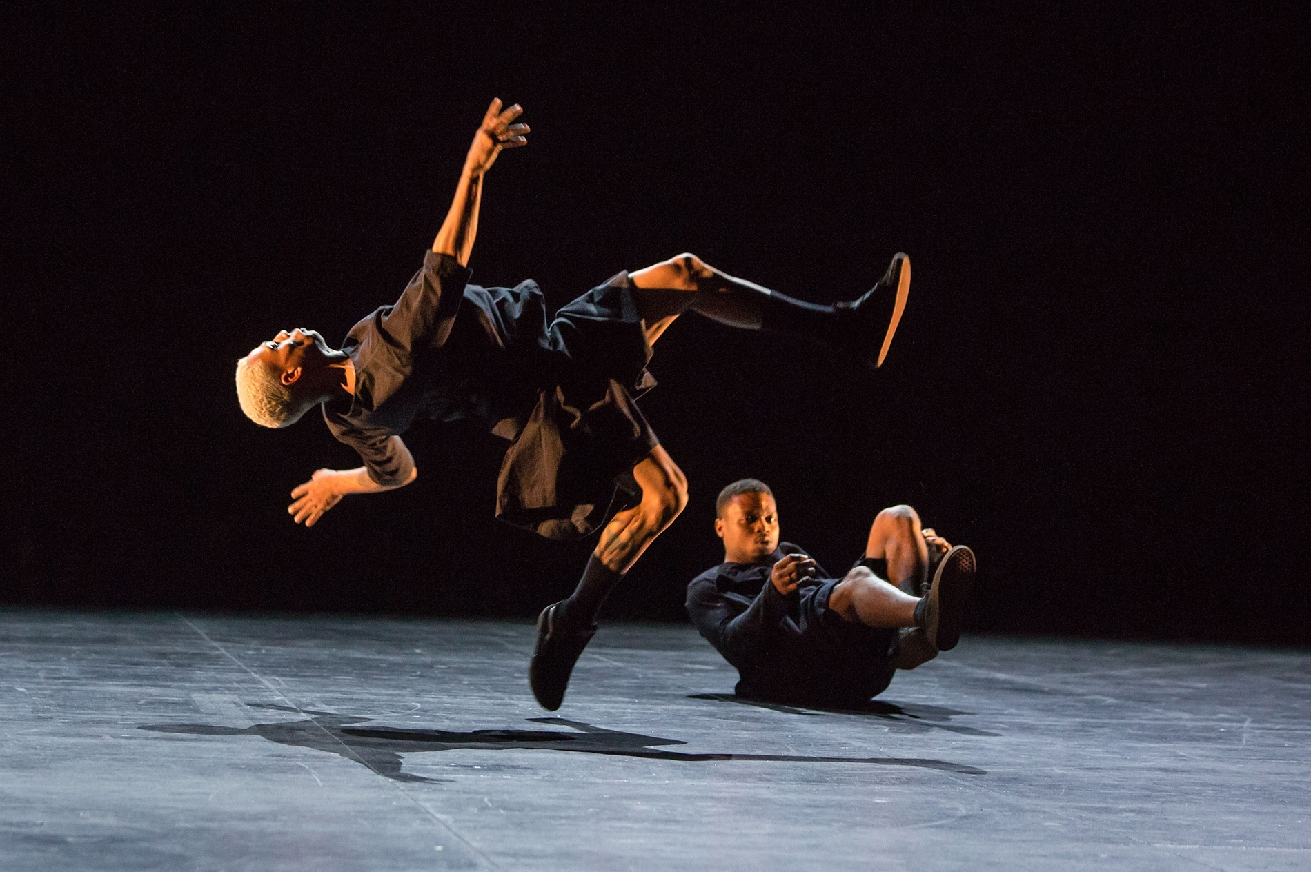 spectacle danse Inoah de BrunoBeltrão